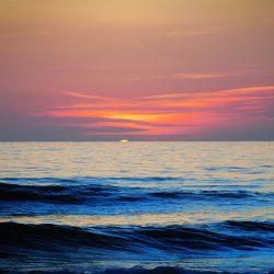 Atardecer y mar
